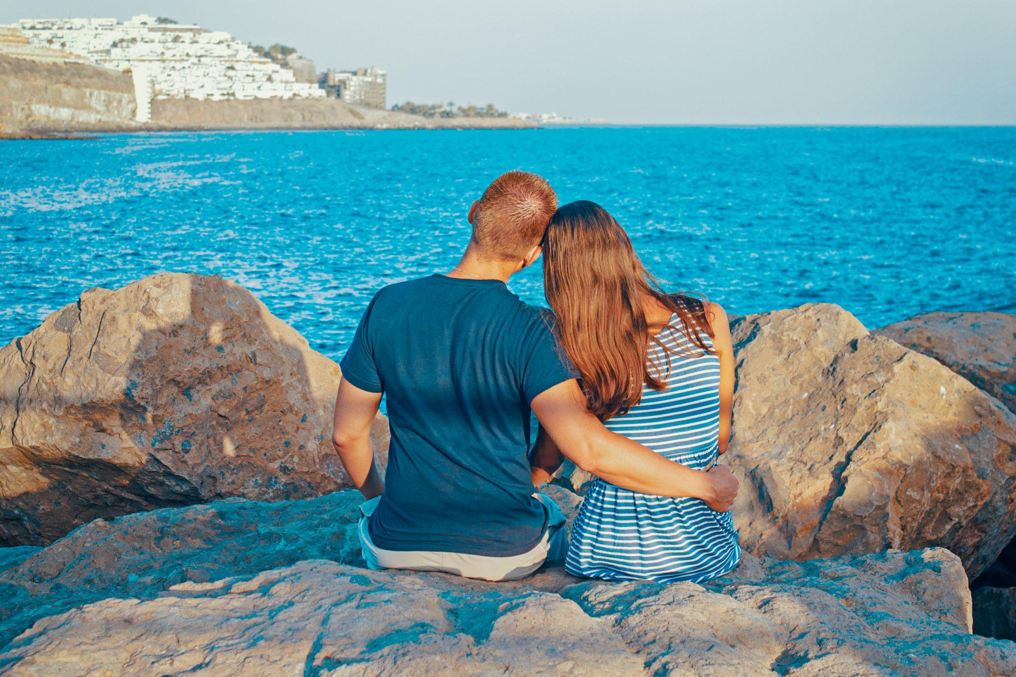 Dragostea este un suflet ce animă două trupuri.