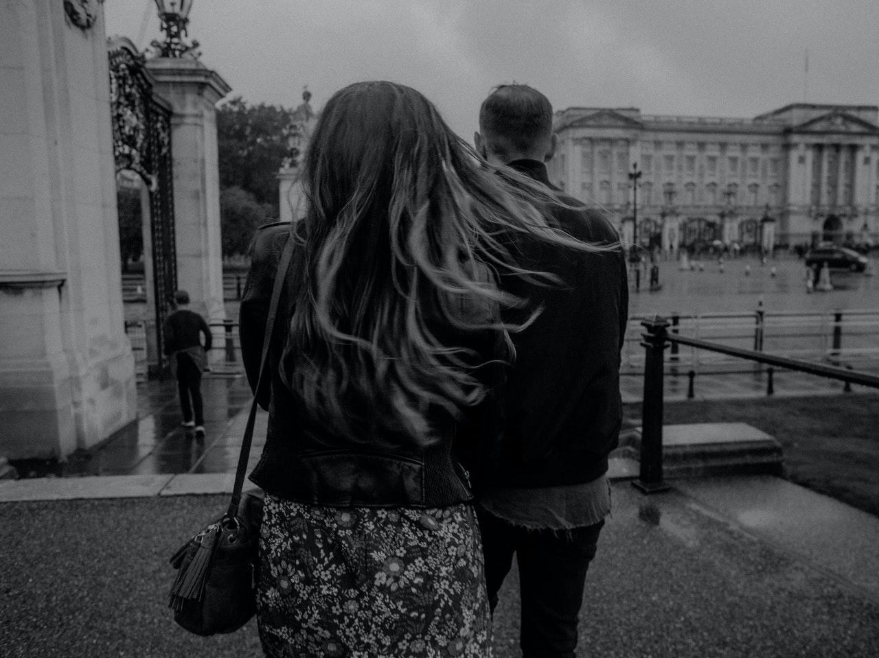11 semne că ar trebui să renunți la relația ta - Loveisaname